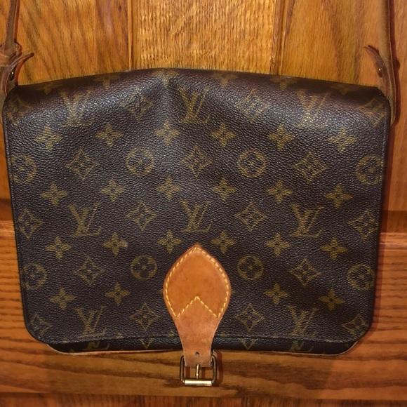 Louis Vuitton Handbags - Auth Louis Vuitton Cartouchiere GM Bag